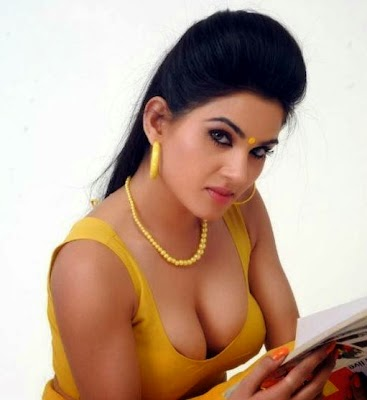 Show pictures of Kavya Singh