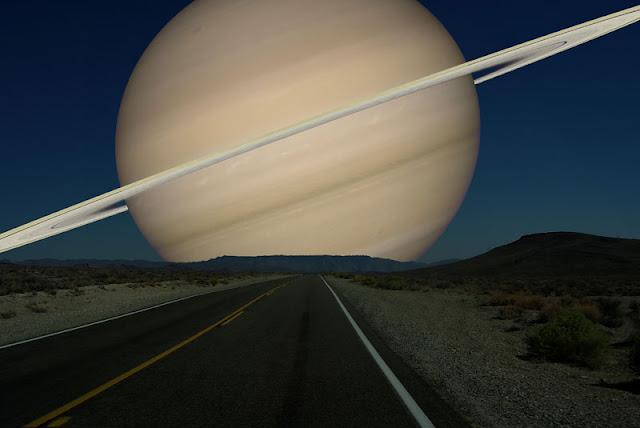 Saturno si estuviera a la misma distancia de la Tierra que la Luna