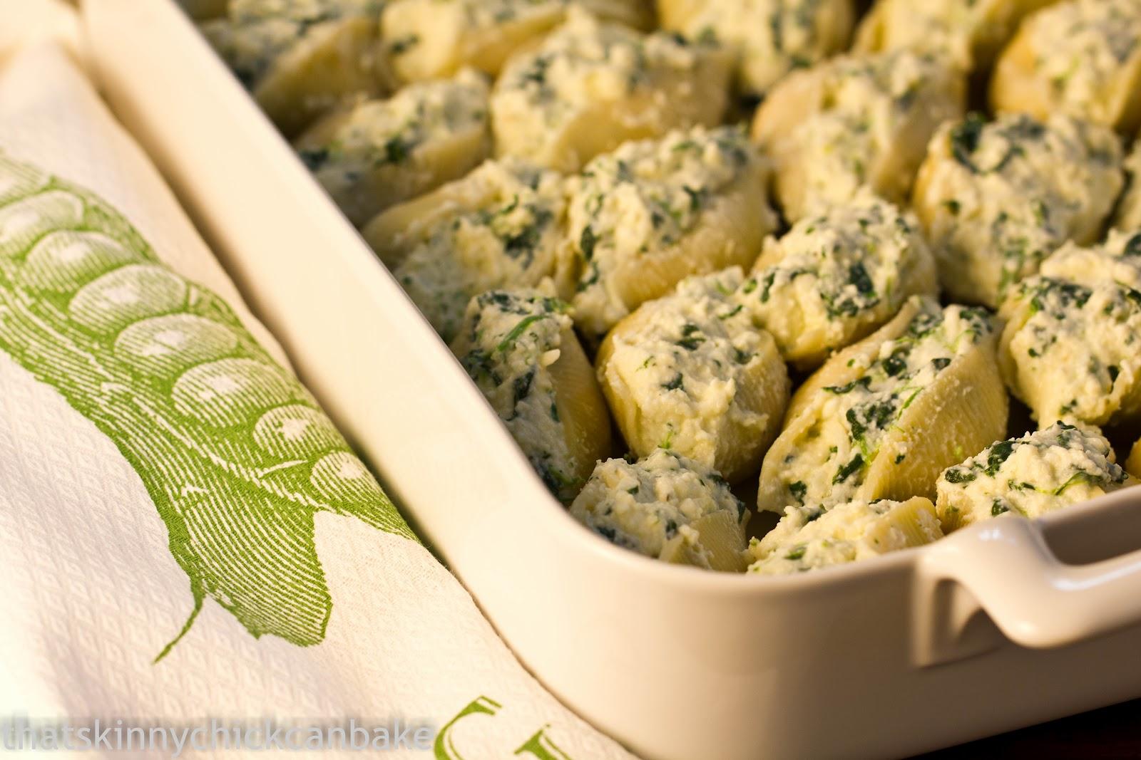 Spinach and Ricotta Stuffed Pasta Shells #SundaySupper #ComfortFoods