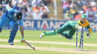 AB-de-Villiers-runout-Ravindra-Jadeja-India-vs-South-Africa-ICC-Champions-+Trophy-2013