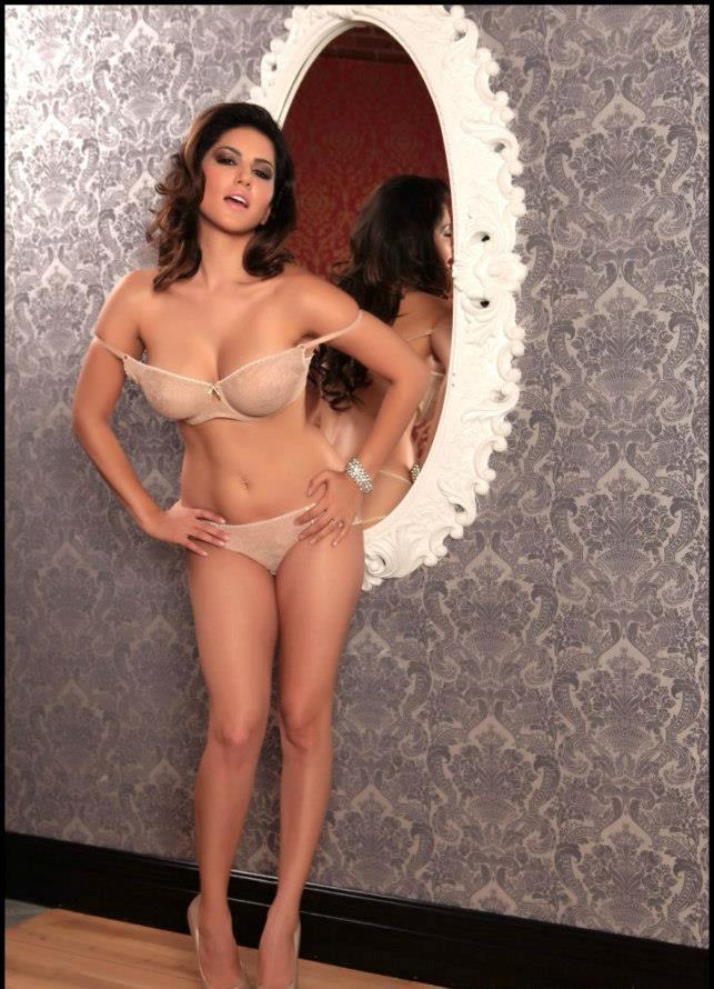 Sunny Leone Hot In nude Photos