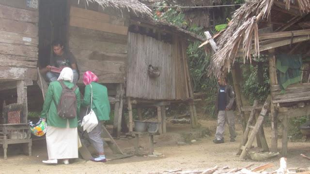 Kehidupan masyarakat miskin di dusun Lam Lhoh Angen Gampong Meulasah Blang Kecamatan Muara Dua, Kota Lhokseumawe sangat memprihatinkan.