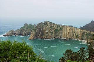 Vista de la playa del silencio desde el acantilado