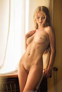 射精色情 - feminax-sexy-nancy-sensual-poses-in-beauty-and-wild-desire-06-771093.jpg