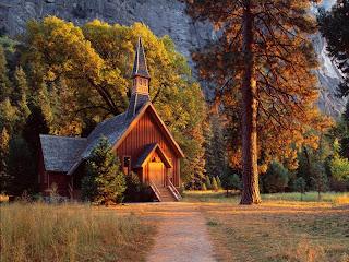 Preciosa Iglesia de madera