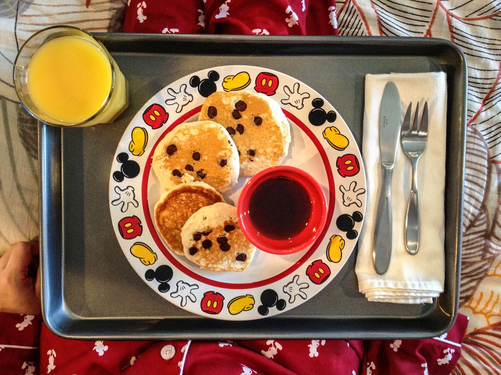 breakfast in bed, chocolate chip pancakes, pancakes, mickey mouse plate, disney plate, disney dishes, disney pjs