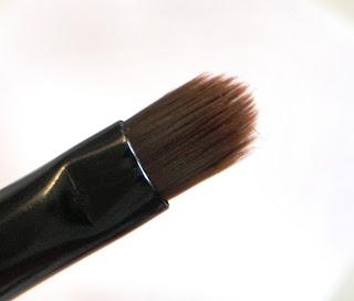 Small Flat Brush.