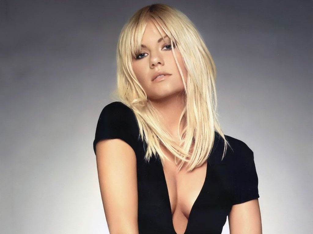 http://1.bp.blogspot.com/-fFBOkJ25Dj0/TZ9pJY9ygOI/AAAAAAAAN3g/C_TSV56Nay8/s1600/Elisha+Cuthbert+Hot+Hollywood+Actress+wallpapers-1.jpg