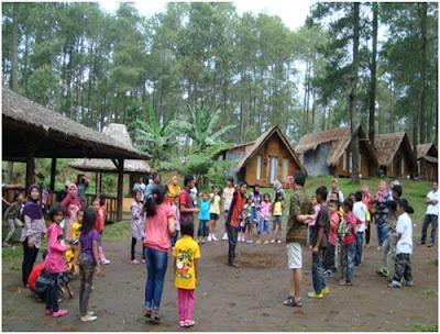 salah satu materi paket outbound anak dengan kegiatan di alam terbuka grafika cikolea