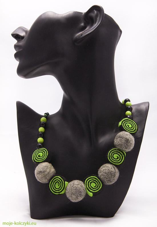 Biżuteria z filcu kolorowy naszyjnik