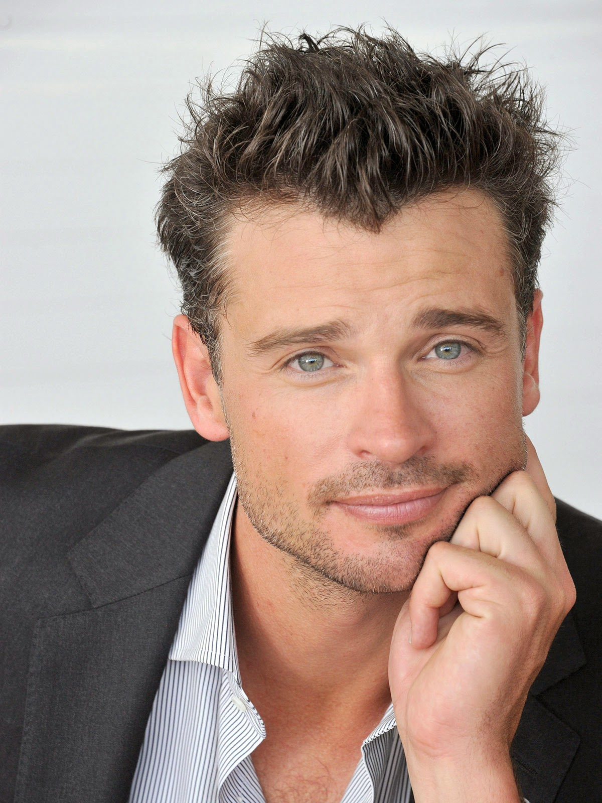 American Director Tom Welling New Photo Shoot Images