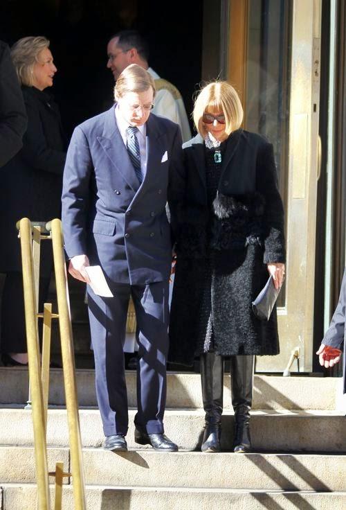 Mourning! The Stars adopt Oscar de la Renta