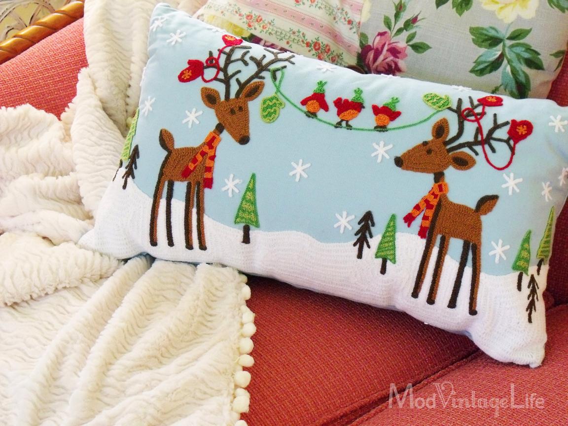 http://1.bp.blogspot.com/-fG-jY2kzv4k/UNF4MEVdafI/AAAAAAAAP18/jIhf7JMS3oE/s1600/christmas_pillow.jpg