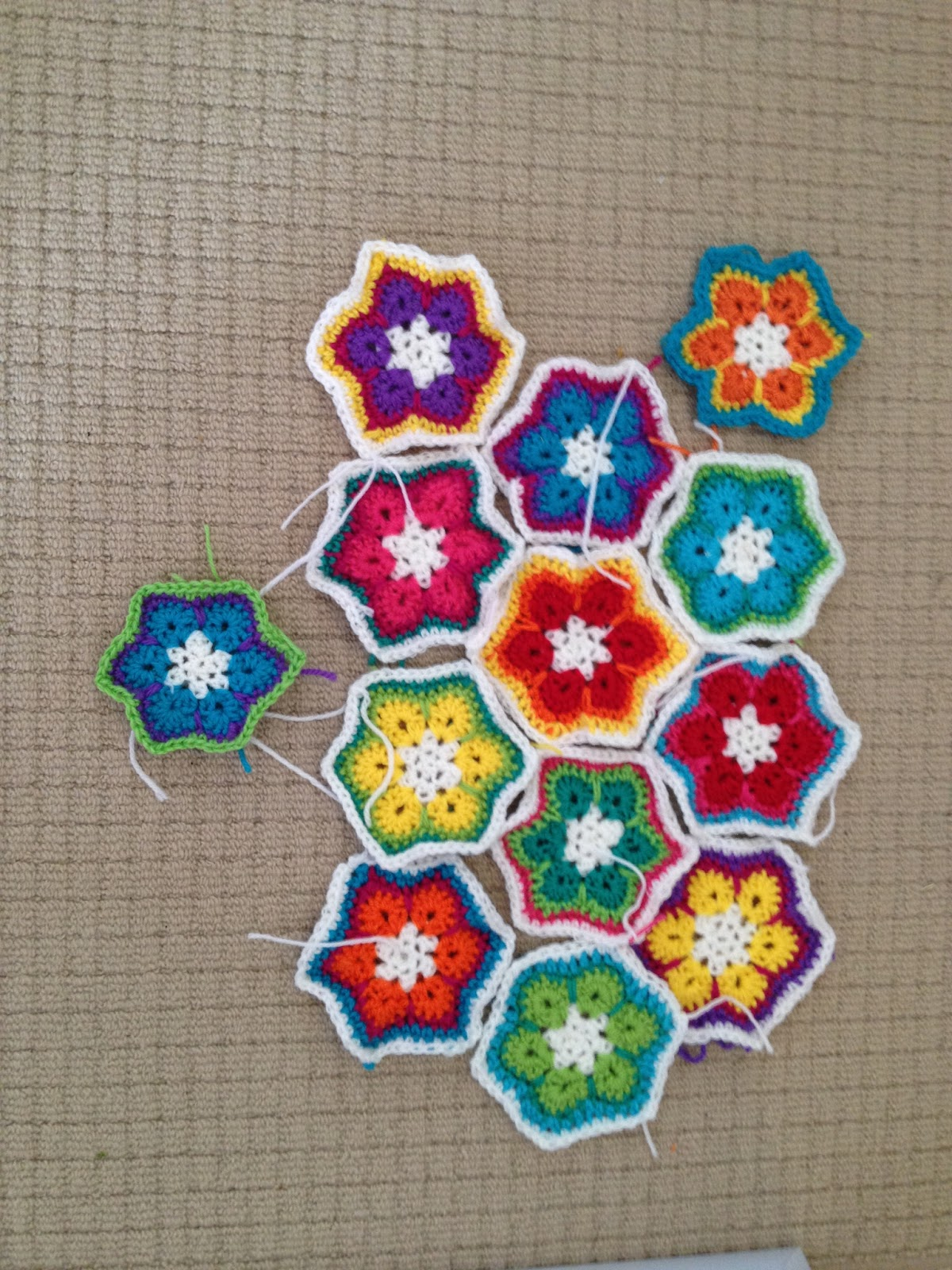 Free Crochet Hexagon Hippo Pattern : Rhonies Rainbow: African Flower Hexagon Crochet Pattern