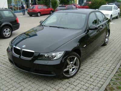 http://1.bp.blogspot.com/-fG63mveIokY/TykiqegUyFI/AAAAAAAAKao/EqZPns3AdlU/s400/BMW-E90-320i-yjzt.jpg