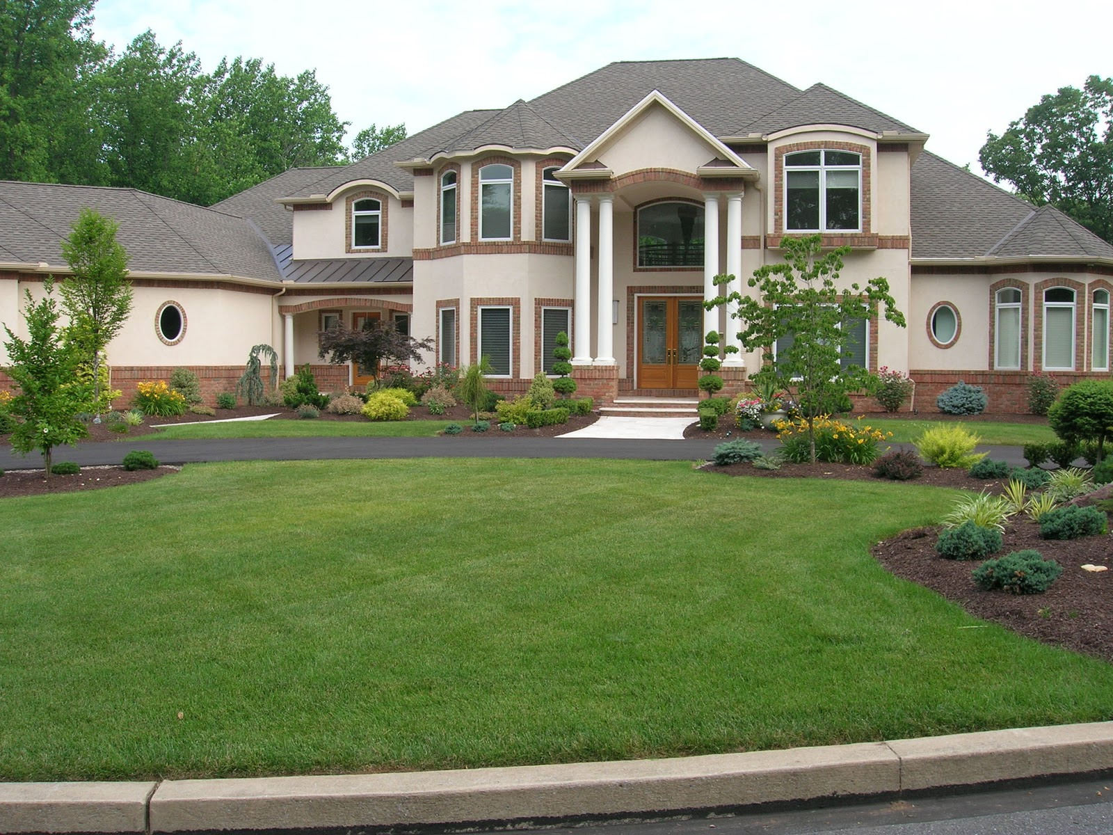 Stunning Home Front Yard Landscaping Ideas 1600 x 1200 · 551 kB · jpeg