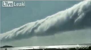extraña nube larga en Brazil