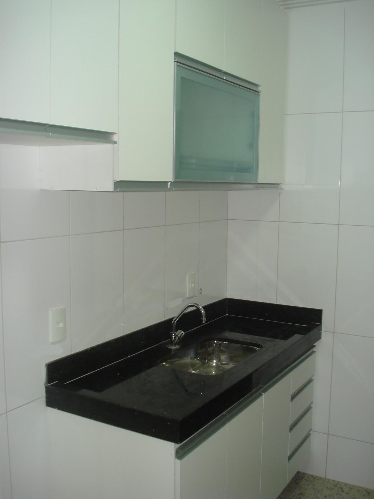 Lopes Armários Planejados Armário de Cozinha (Padrão Branco) Com Porta em Vi # Armario De Cozinha Planejado Porta De Vidro