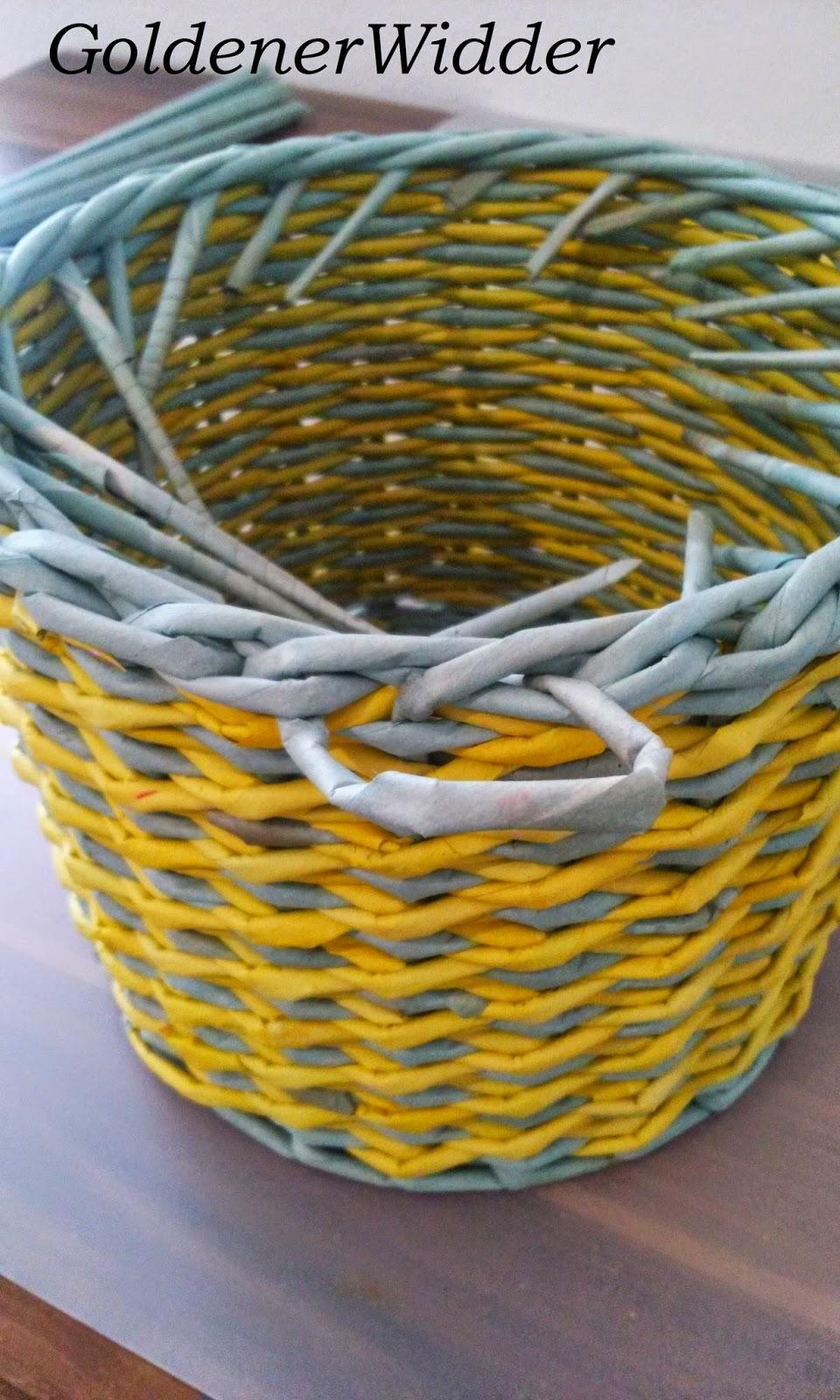 Плетение из трубочек узор крестики