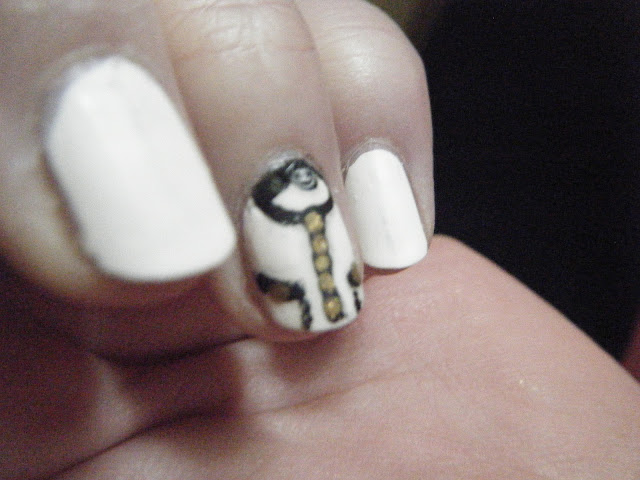 Chanel logo with black and white nailart