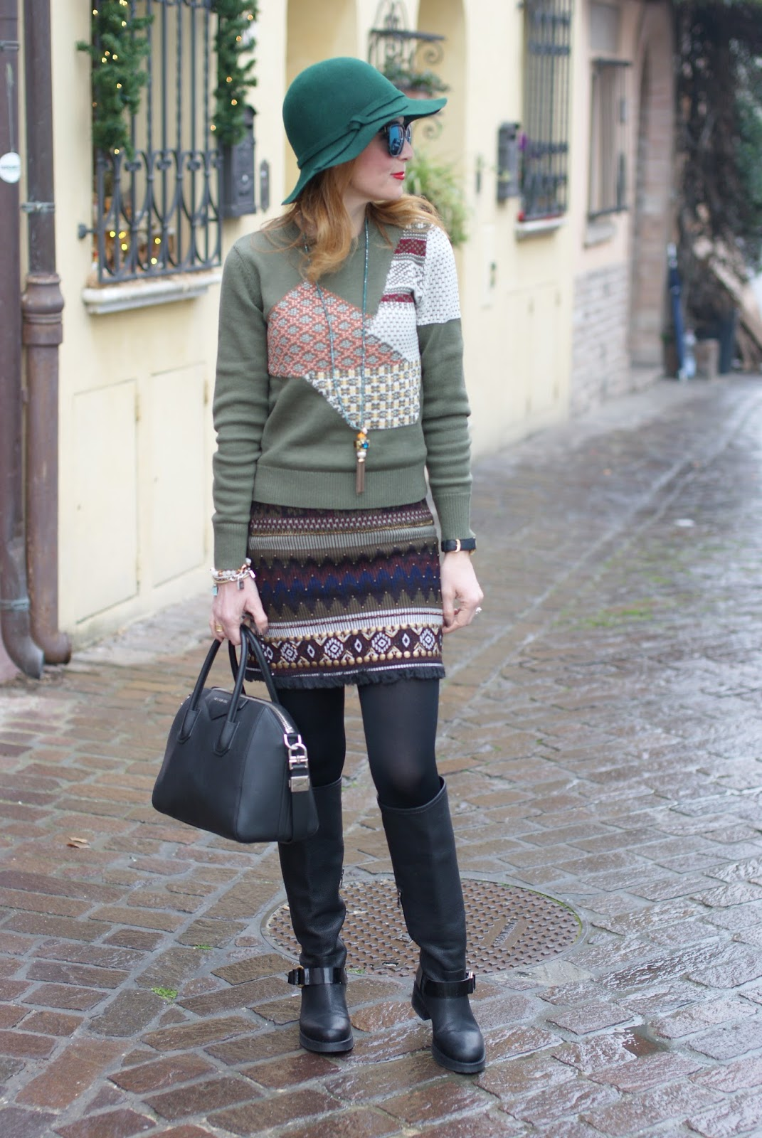 Patchwork sweater and Lorenzo Mari boots, urban boho chic look on Fashion and Cookies fashion blog, fashion blogger style