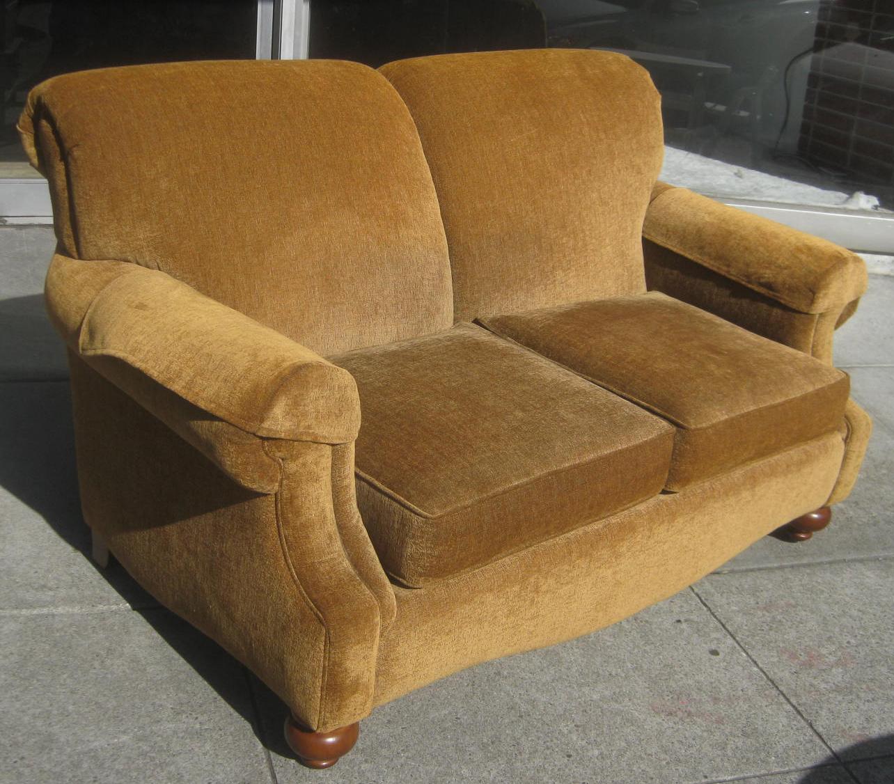 Uhuru Furniture Collectibles Sold Bassett Loveseat 150