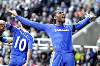 El Chelsea se dio un respiro frente al Bolton (3-0)