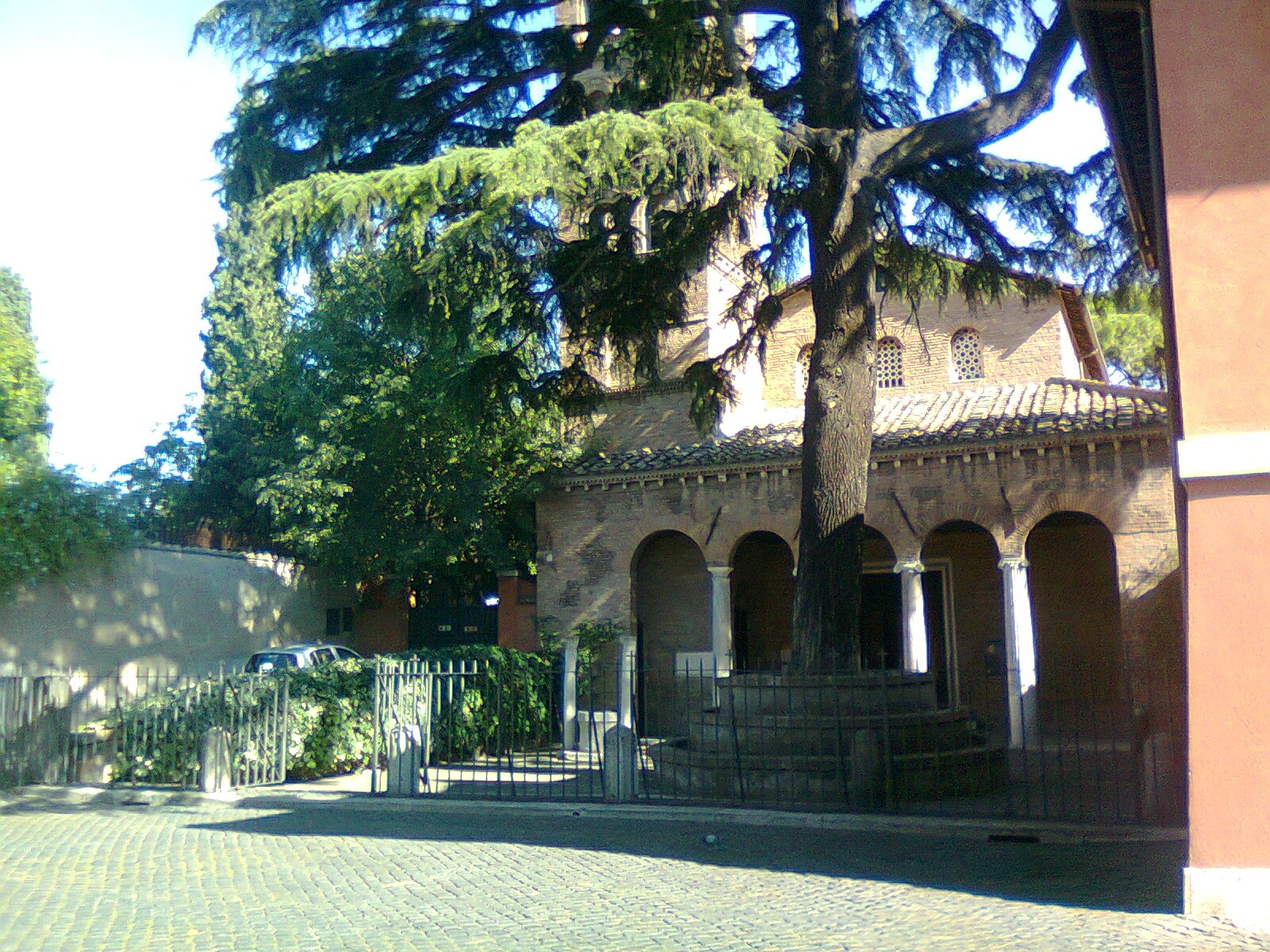 Casa di campagna con vetrate - Porta portese affitti roma ...