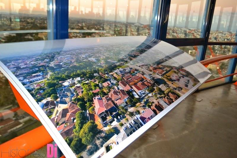 Placas orientando as direções e com informações da cidade