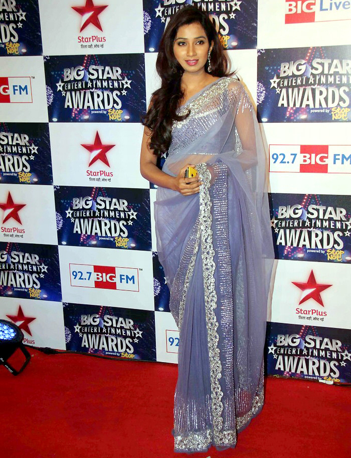 Shreya ghoshal at Big Star Entertainment Awards 2012