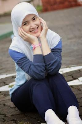 Foto cantik Siti Avifa Rosiana Dewi atau Rosiana Dewi Barbie