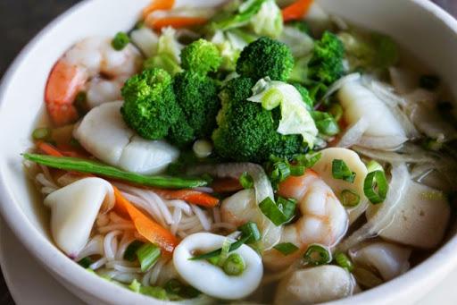 Bahan dan Resep Sup Kimlo Bola Udang Spesial Praktis