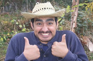mexican+guy+thumbs+up.jpg