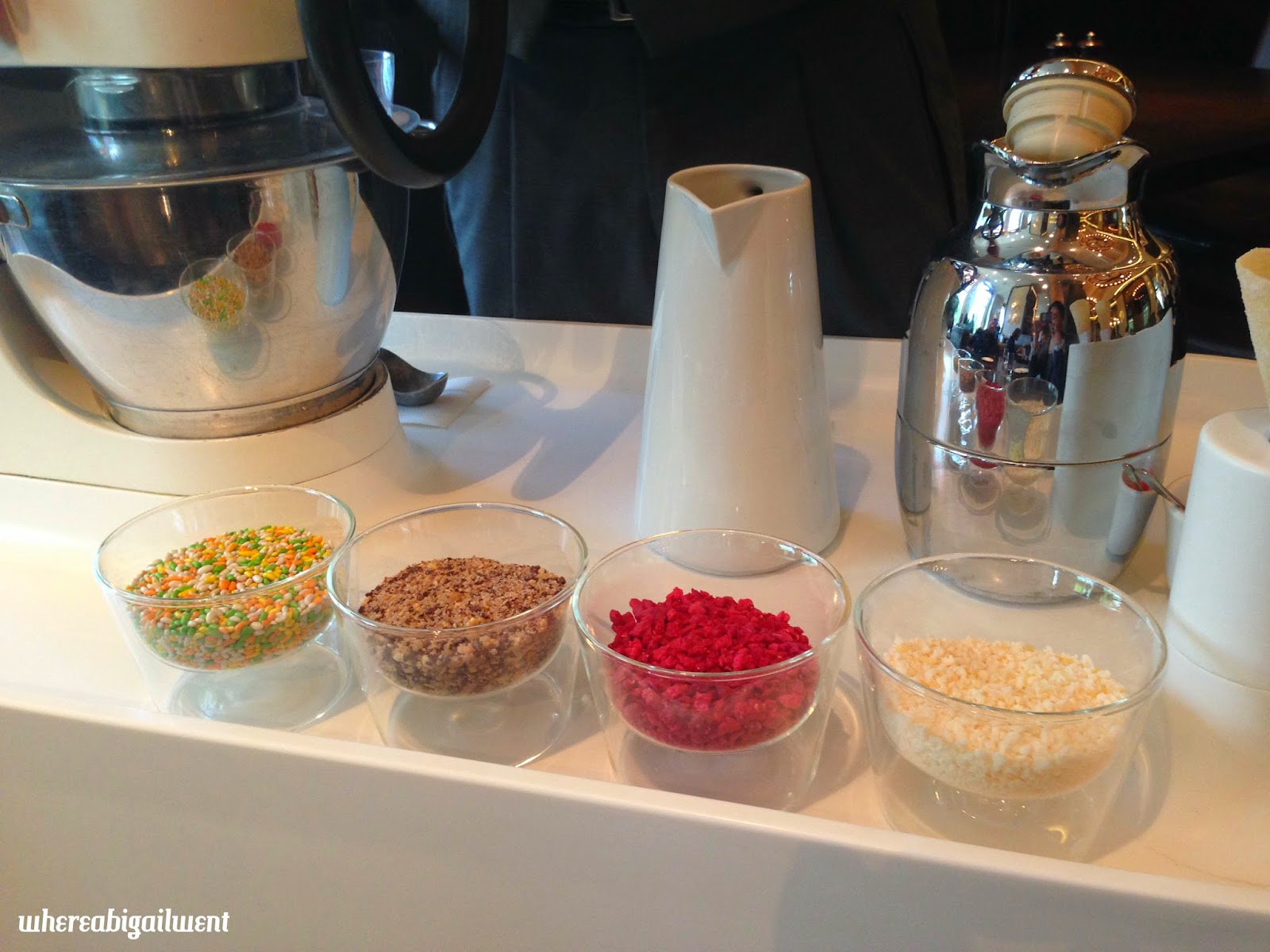 Nitrogen Ice Cream At Your Table