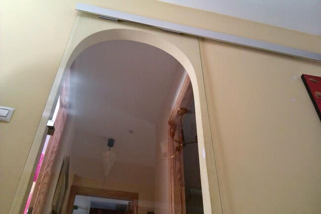puertas de cristal templado es la solucin fcil y sin obras sin renunciar a la luz deja que se luzca esos detalles que te gustan de tu casa