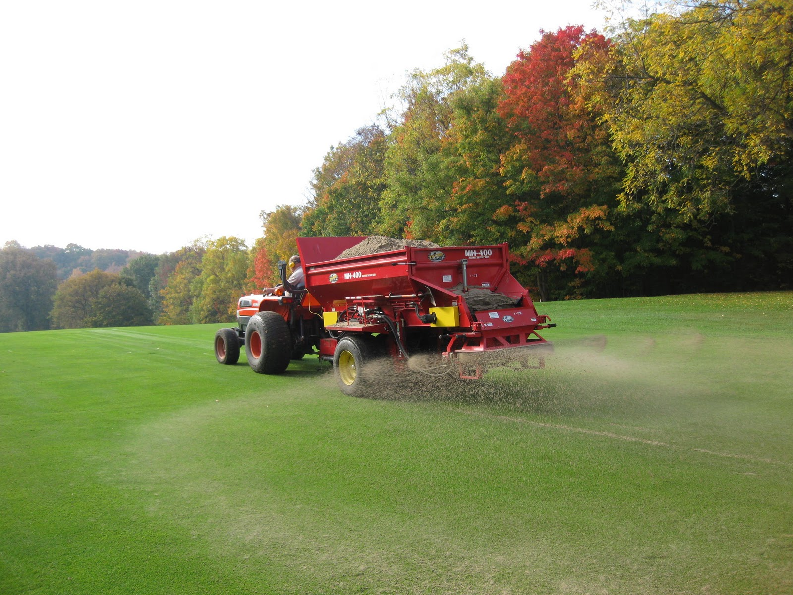 meadowbrook country club golf course maintenance fairway topdressing