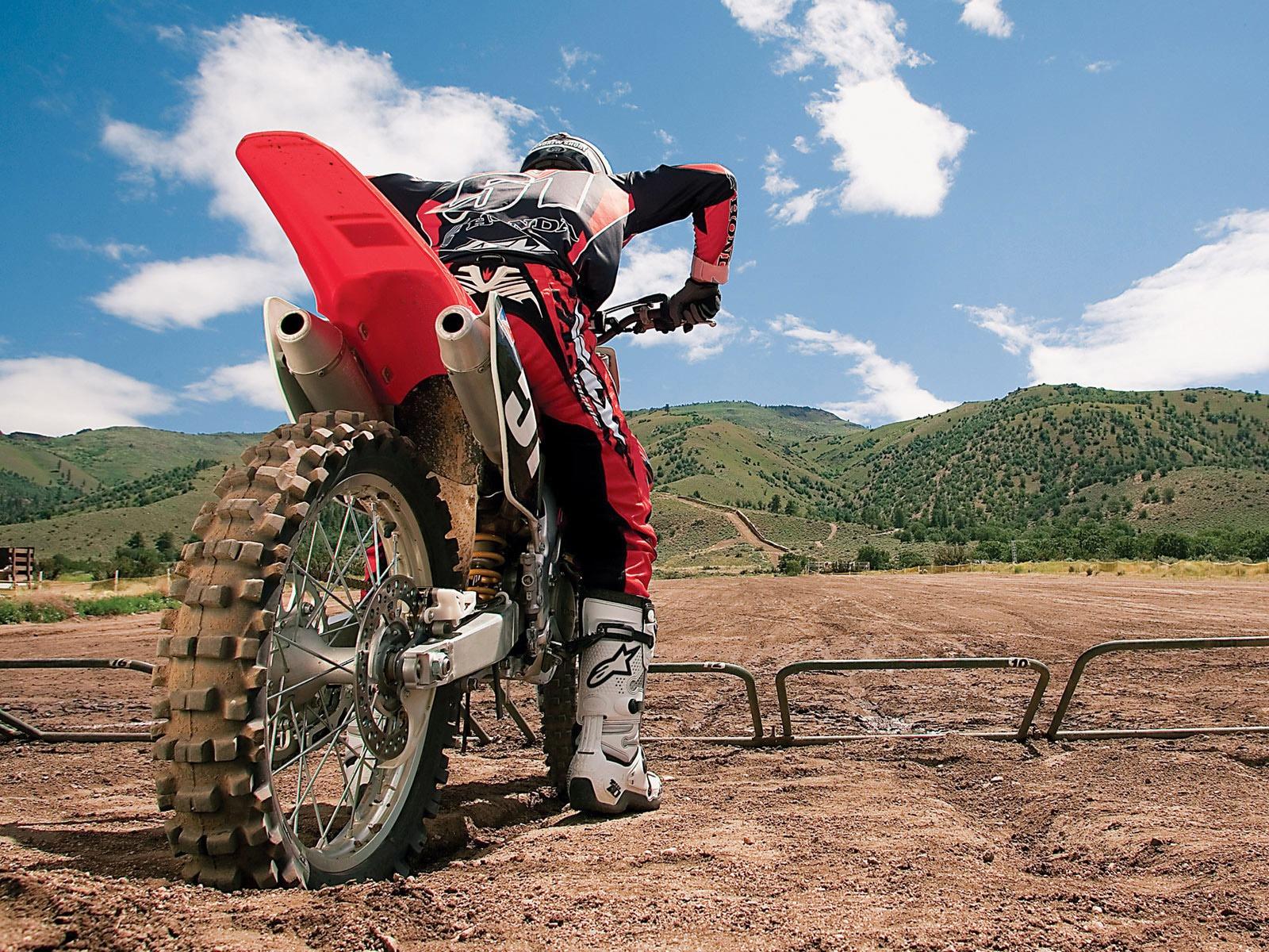 http://1.bp.blogspot.com/-fI7WA6S49kI/Ty0juAtw72I/AAAAAAAACAU/DjhC6LCDC-c/s1600/Motocross+Wallpaper+2.jpg