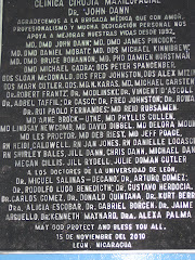 placa conmemorativa. HEODRA LEON