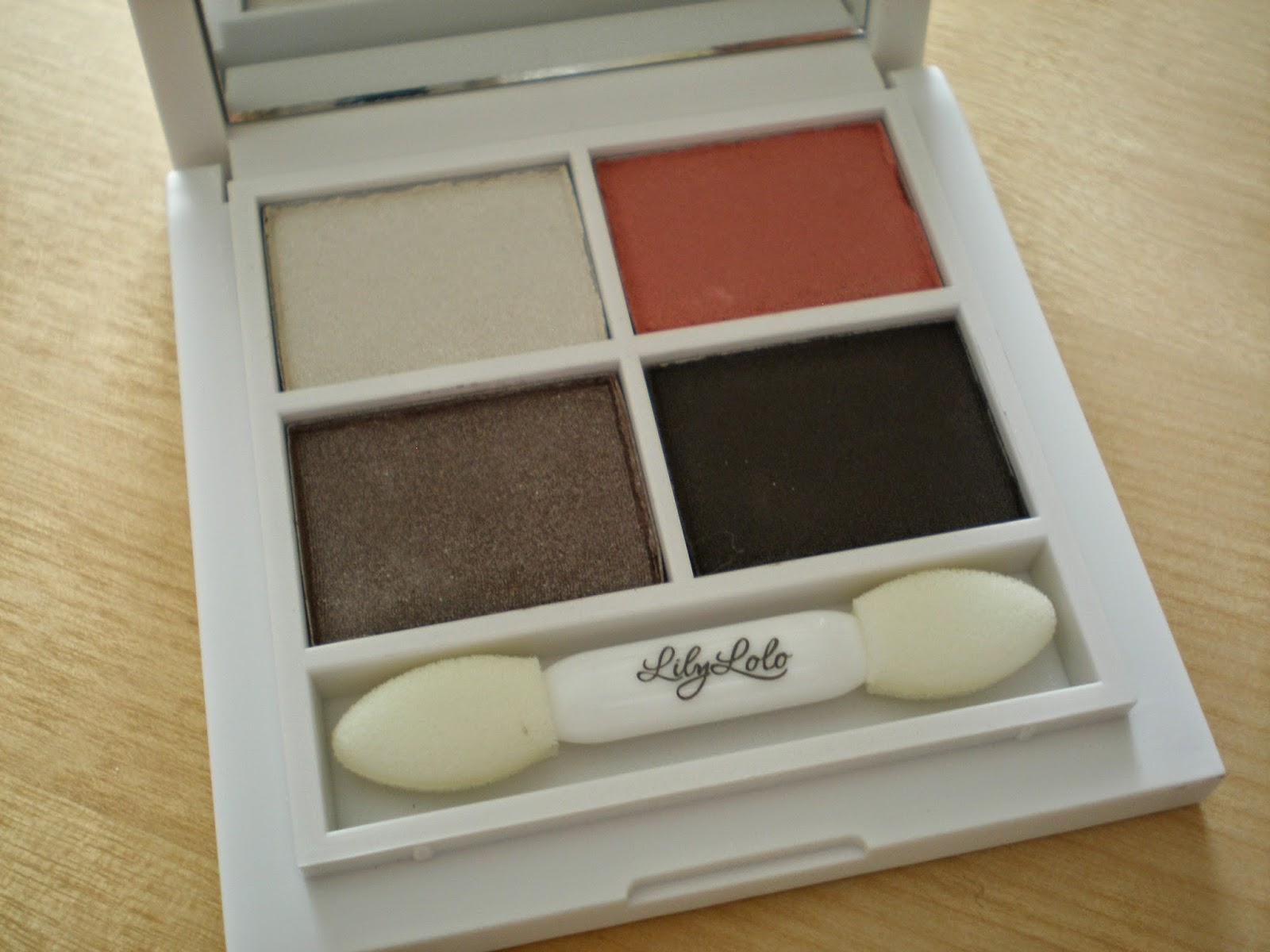 Lily Lolo - Pressed Mineral Eye Shadow in Smoky Rose