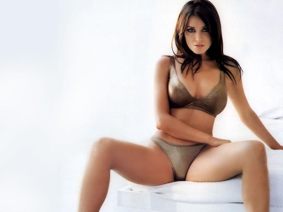 http://1.bp.blogspot.com/-fIVwQws9fds/Tpf8Pun2yhI/AAAAAAAAIAQ/J_Qv-ATIYXg/s1600/Minogue_Dannii001.jpg