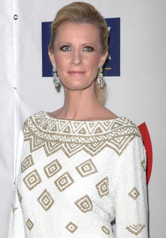 sandra lee hot. Sandra Lee