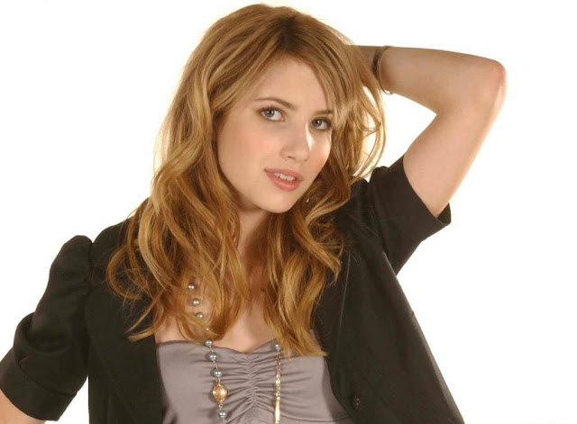 Emma Roberts Wallpapers Free Download
