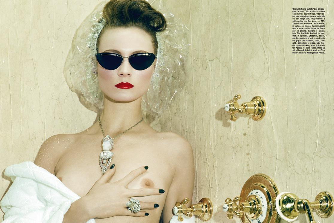 http://1.bp.blogspot.com/-fItbSkqF1XM/T2iL7wurAGI/AAAAAAAAJu0/KhAOKQwZesU/s1600/Miles+Aldridge+%C3%97+Charlotte+Di+Calypso+-+Vogue+Italia+February+2010+-+VOGUE+beauty+-+002.jpg