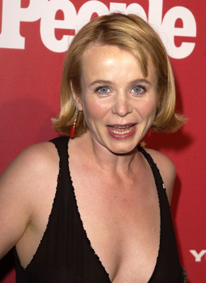 Best Emily Watson Hairstyles