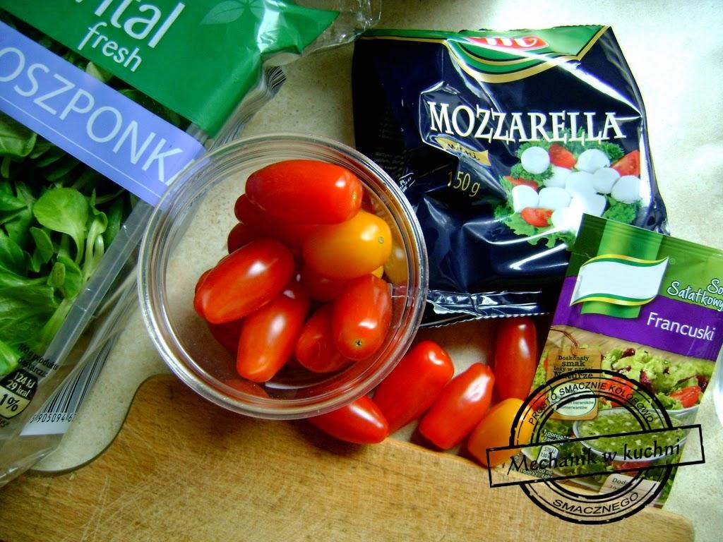 Sałatka majowa roszponka mozzarella pomidorki Mechanik w kuchni