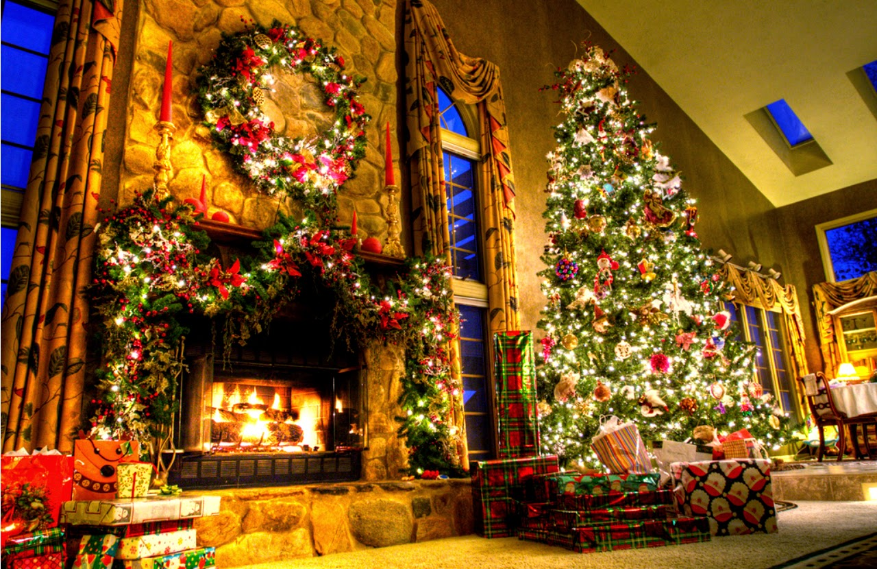 christmas-fireplace-mantel-decoration-with-tree-image-1280x830.jpg