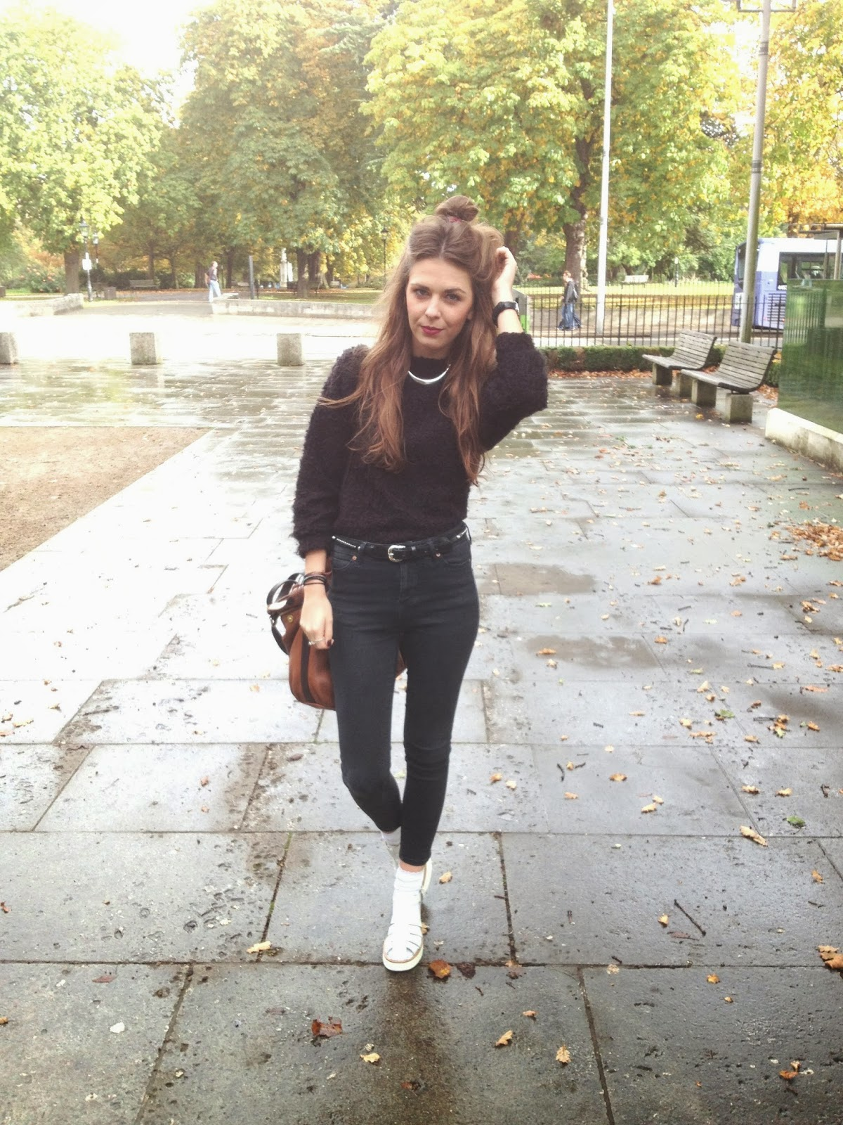 Fashion_blogger_wearing_topshop_black_and_new_look_shoes
