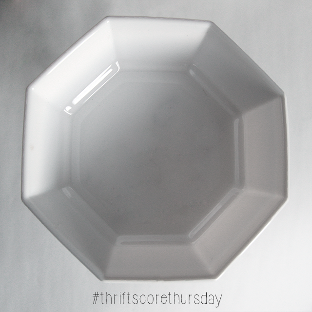 #thriftscorethursday Week 46 Octagon Bowl | www.blackandwhiteobsession.com