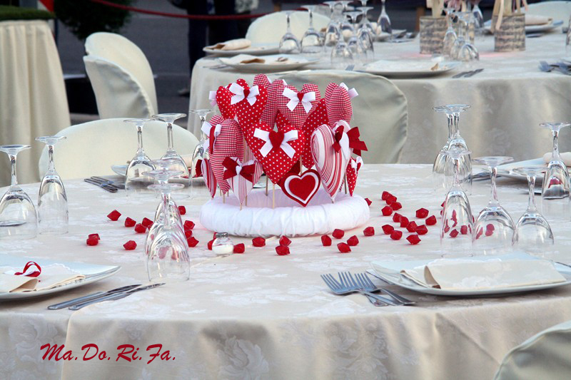 Matrimonio Tema Cuori : Ma do ri fà eventi il centrotavola con i cuori le nozze