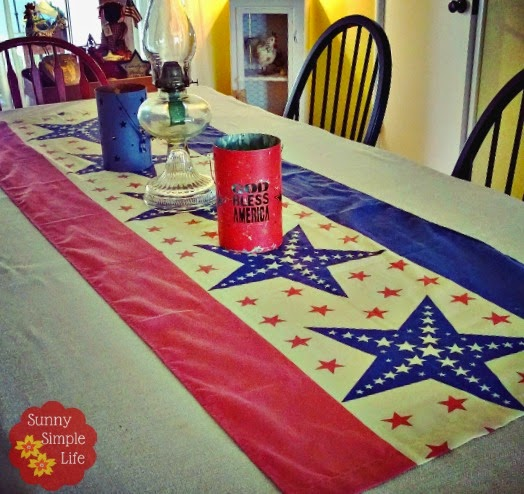 red white and blue table, patriotic table